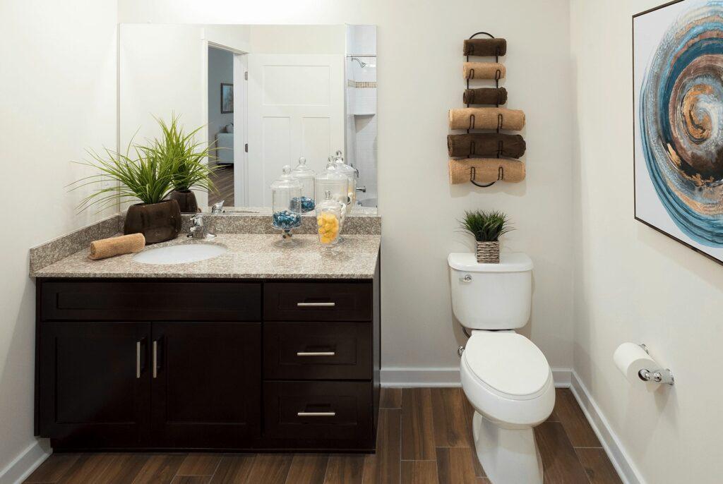 Jackson 21 Apartments Interior Bathroom