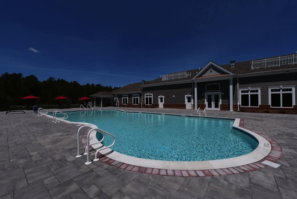 Jackson 21 Apartments Pool